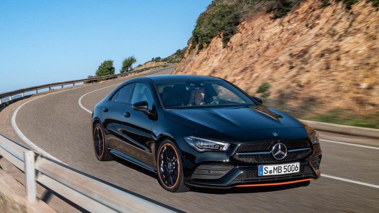 05-mercedes-benz-2019-cla-coupe-c-118-cla-250-amg-line-cosmos-black-metallic-edition-1-orange-art-2560x1440-1280x720-2