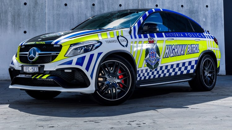 Mercedes_GLE_Police_Car_03