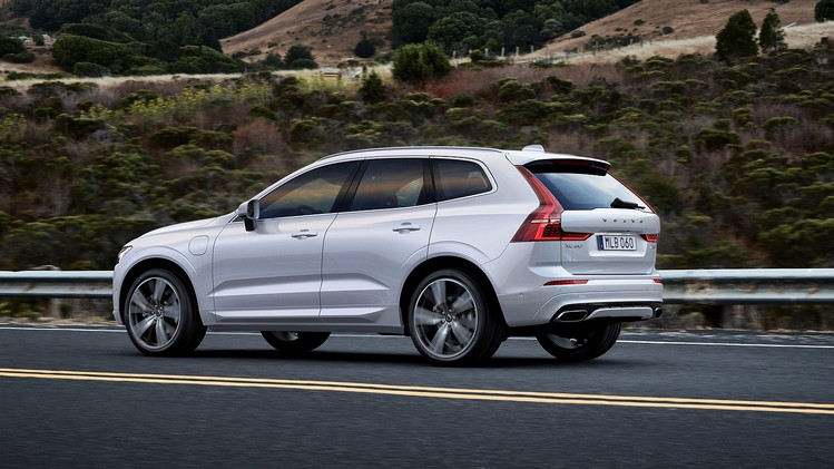 performance-suv-volvo-xc60-t8