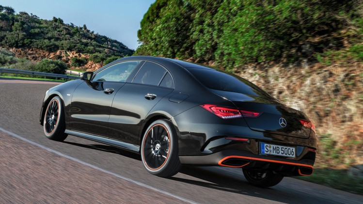 02-mercedes-benz-2019-cla-coupe-c-118-cla-250-amg-line-cosmos-black-metallic-edition-1-orange-art-2560x1440-1280x720