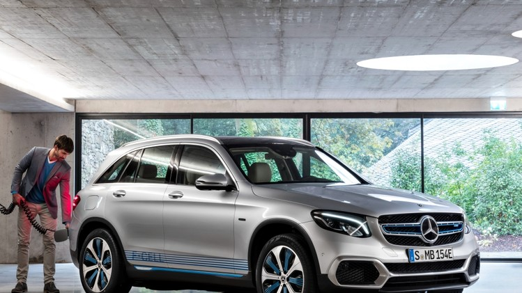 mercedes-benz_glc_f-cell_prototype_22