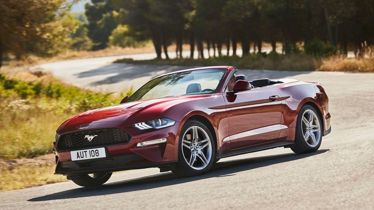 ford-mustang-convertible-2018-001
