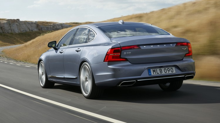 Volvo S90 Official 001