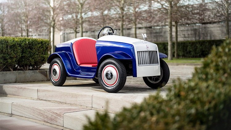 the-biggest-unveil-for-the-smallest-rolls-royce_5