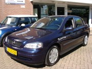 Opel Astra - 1.6 Club RADIO/CD-SEDAN-CV-STUURKEKR.