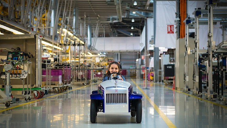 the-biggest-unveil-for-the-smallest-rolls-royce_12