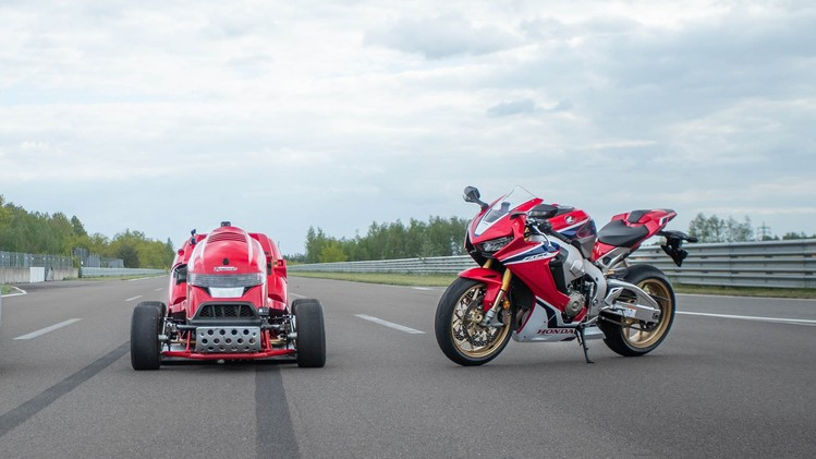 Honda Mean Mower V2 + CBR1000RR Fireblade SP