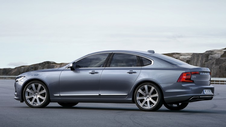 Volvo S90 Official 010