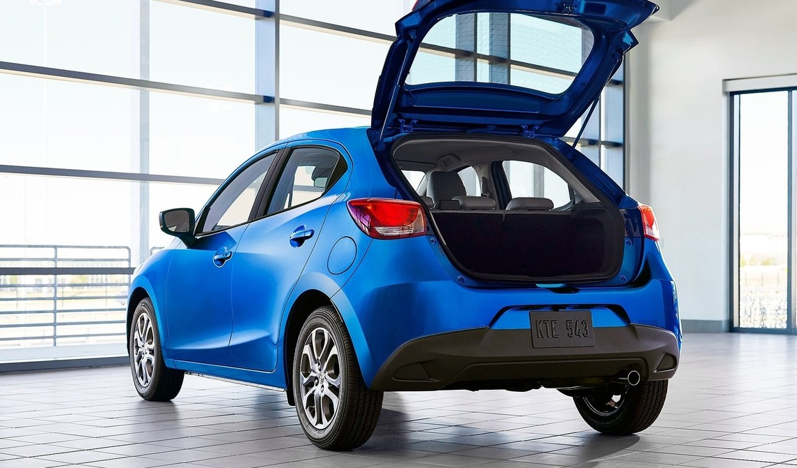 Toyota Yaris Hatchback USA 2020 4