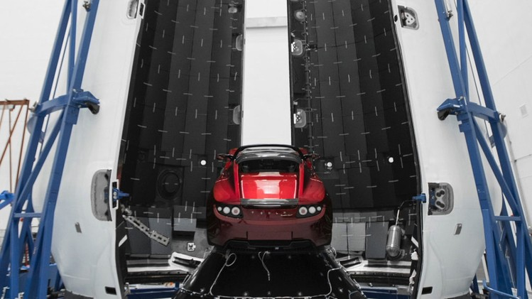 Roadster-and-Falcon-Heavy-Elon-Musk-6-1022x1024
