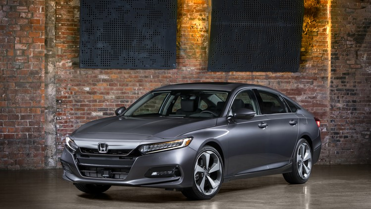 10-2018-honda-accord-touring-1