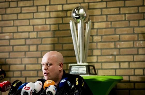 Eerder op de middag stond Van Gerwen al het Nederlandse journaille te woord. © ANP